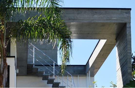 Laje Maciça na Arquitetura, protagonizando a fachada