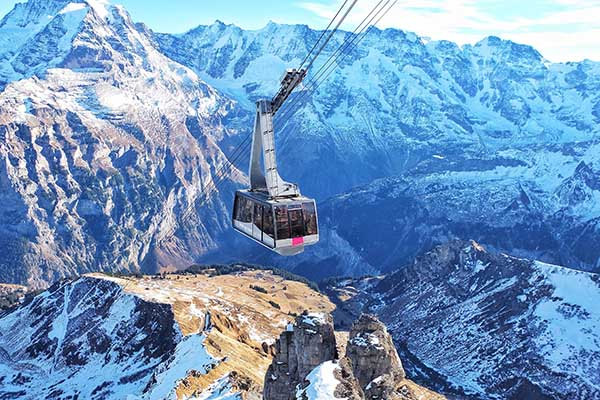Montanha na Suíça - Leila Azevedo/Unsplash