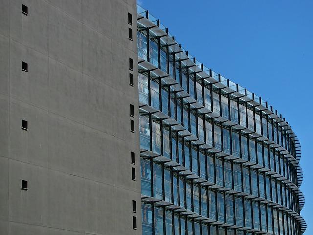 Perspectiva de um Edifício - Foto: Jiří Rotrekl / Pixabay