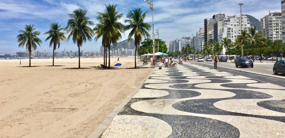 Calcadão de Copacabana -  Foto: site Viagem de AaZ