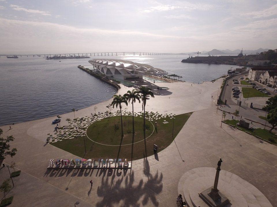 Orla Conde, com o Museu do Amanhã ao fundo - Foto: Michel Filho/ Prefeitura do Rio