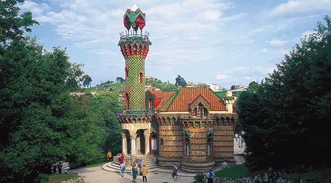 El Capricho - Antoni Gaudí (1885) Influência das cores.