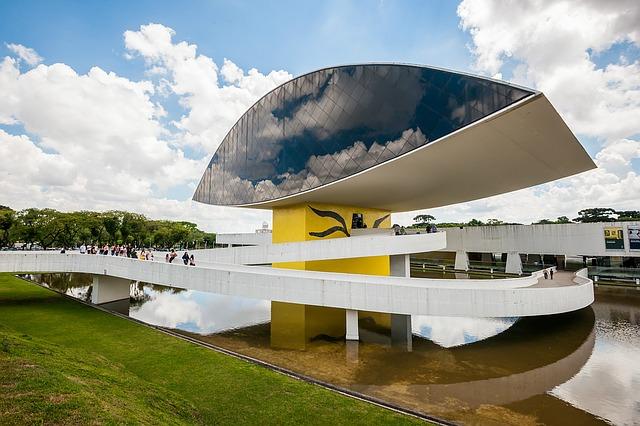 Museu do Olho. Arquiteto Oscar Niemeyer. Foto: Martins Kariny/Pixabay